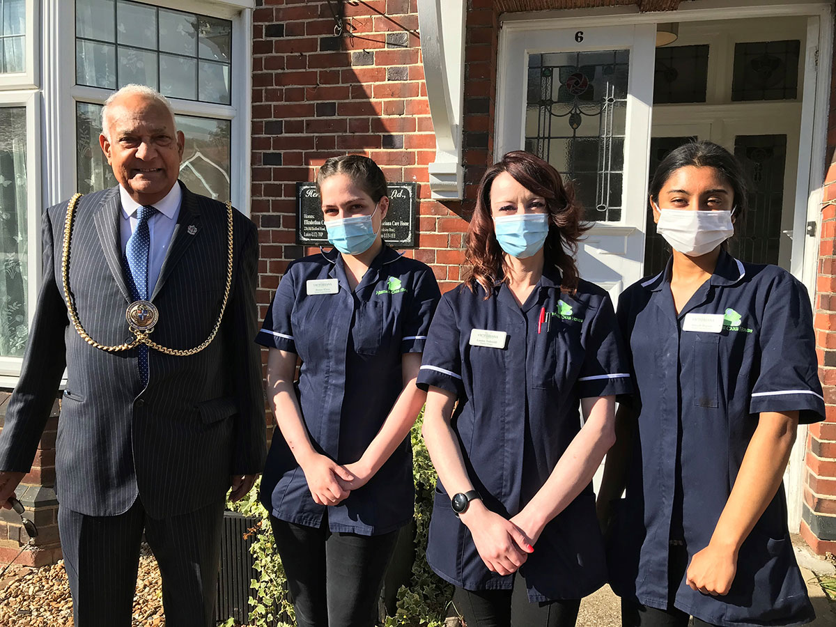 Mayor Of Luton Cllr Mahmood Hussain visiting local care home